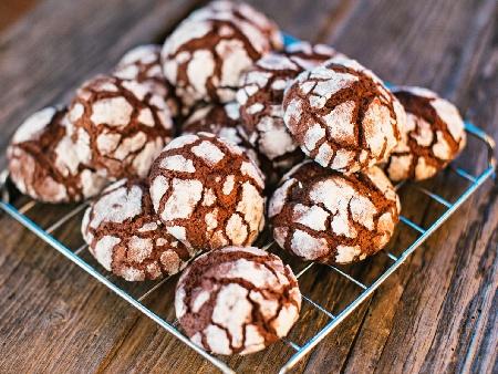 Напукани шоколадови сладки - снимка на рецептата